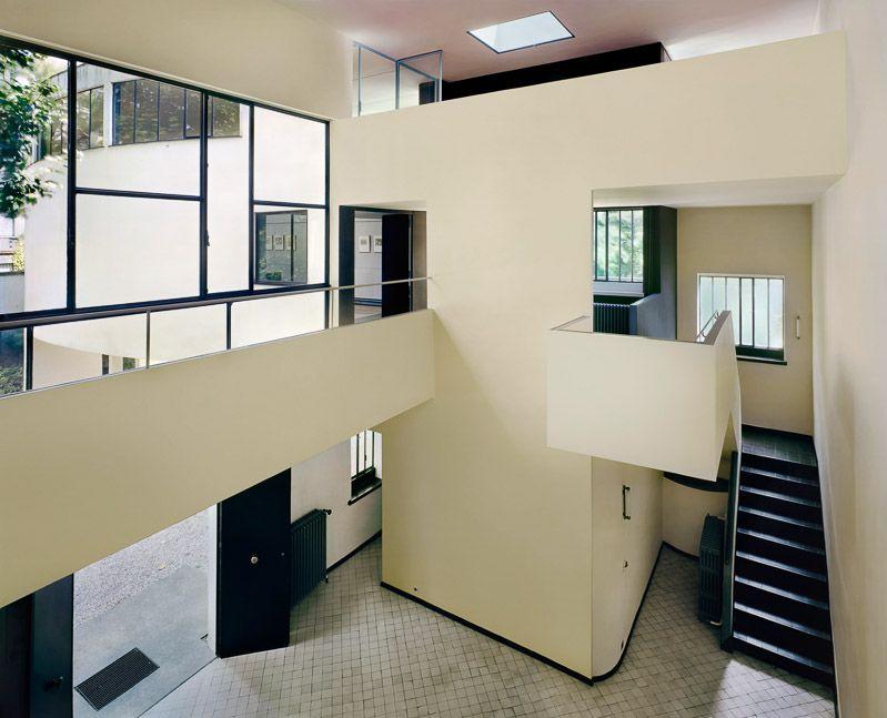 le corbusier maison la roche jeanneret 1923 realizzata per il fratello e per un. Black Bedroom Furniture Sets. Home Design Ideas