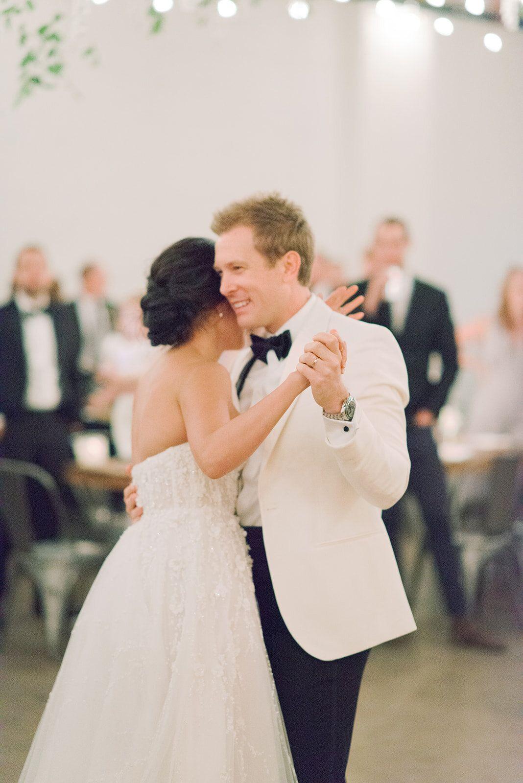 Ivy Michael S Dreamy Fall Wedding In Denver Little White Dress Bridal Shop Denver Colorado S Best Designer Wedding Dresses And Accessories White Bridal Dresses Wedding Dresses Designer Wedding Dresses [ 1600 x 1068 Pixel ]