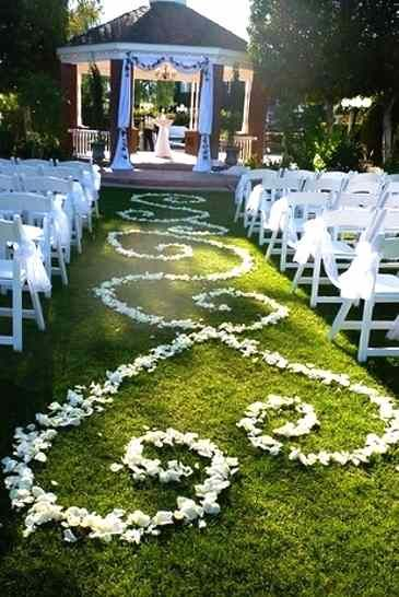 Lying Fairy Tale Wedding In Your Gazebo Decoration Ideas