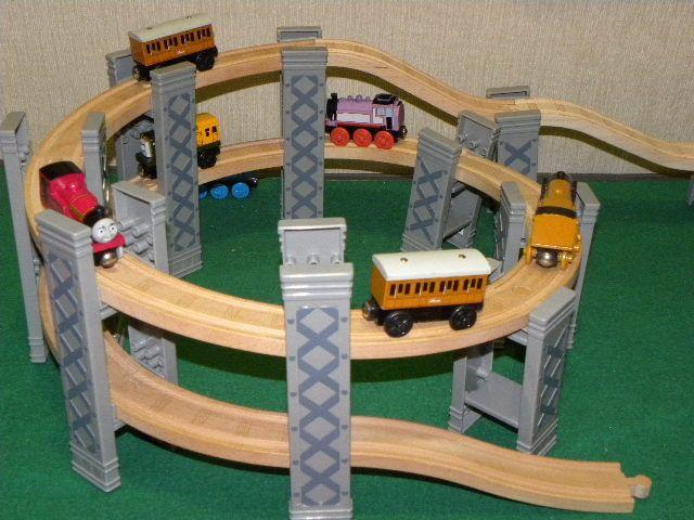 Brio Train Set Table & Kids Room Playground Brio Set Games