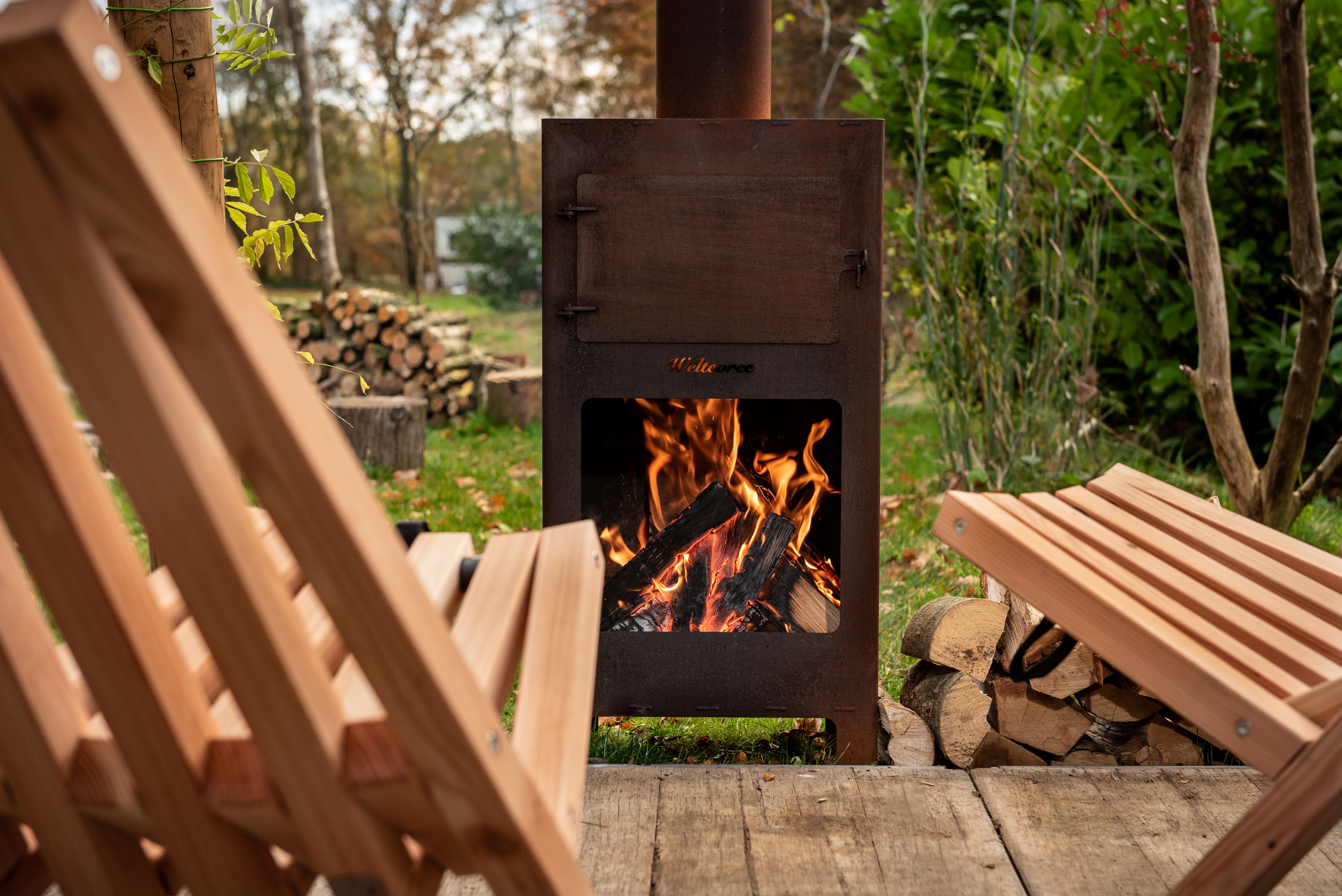 Outdooroven oven, fireplace and barbequegrill in one