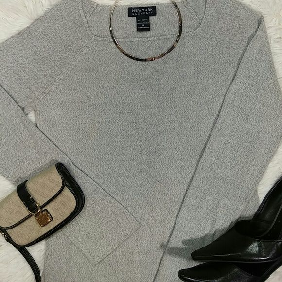"""NEW YORK & COMPANY Sweater This super soft sweater is in great condition!  22"""" long from shoulders. New York & Company Sweaters Crew & Scoop Necks"""