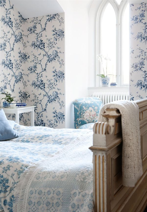 Blue And White That Wallpaper Matches The Comforter PROBABLY THE MOST BEAUTIFUL BEDROOM EVER