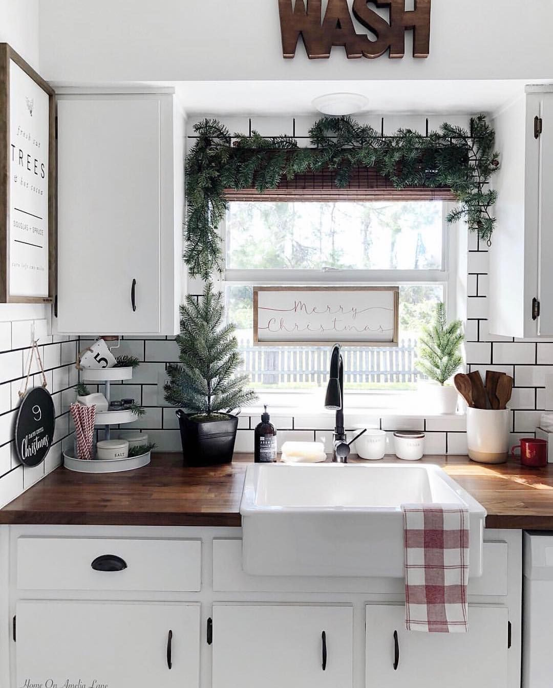 20 CHRISTMAS KITCHEN DECOR IDEAS WITH YOU 2020 - Page 19 of 20 - newyearlights. com