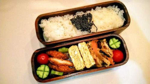 posted by @hiroko_13d 今日のお弁当塩昆布ご飯チキンカツ玉子焼き切り干し大根の煮物#お弁当...