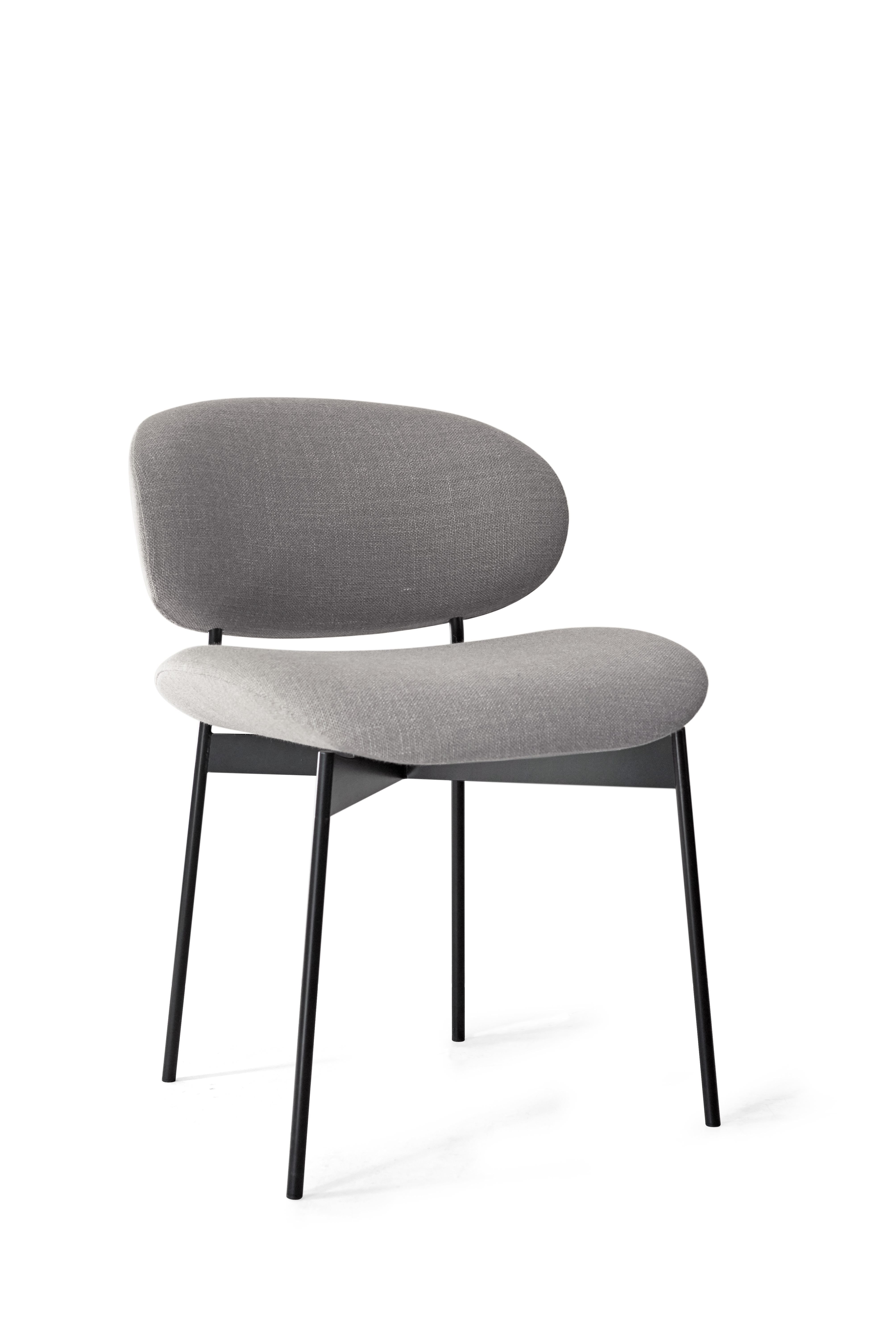 LUZ Chair Without Armrests. Covered With Ramie, Black Lacquered Steel Legs.  Choice Of
