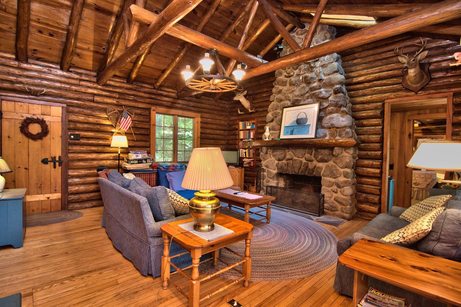 Another great shot of the living room in this lake