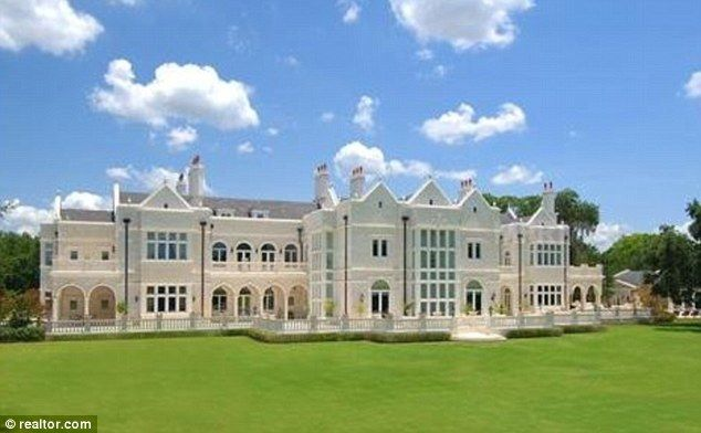 Disgraced Gold Dealer S Faux Versailles Mansion In Florida