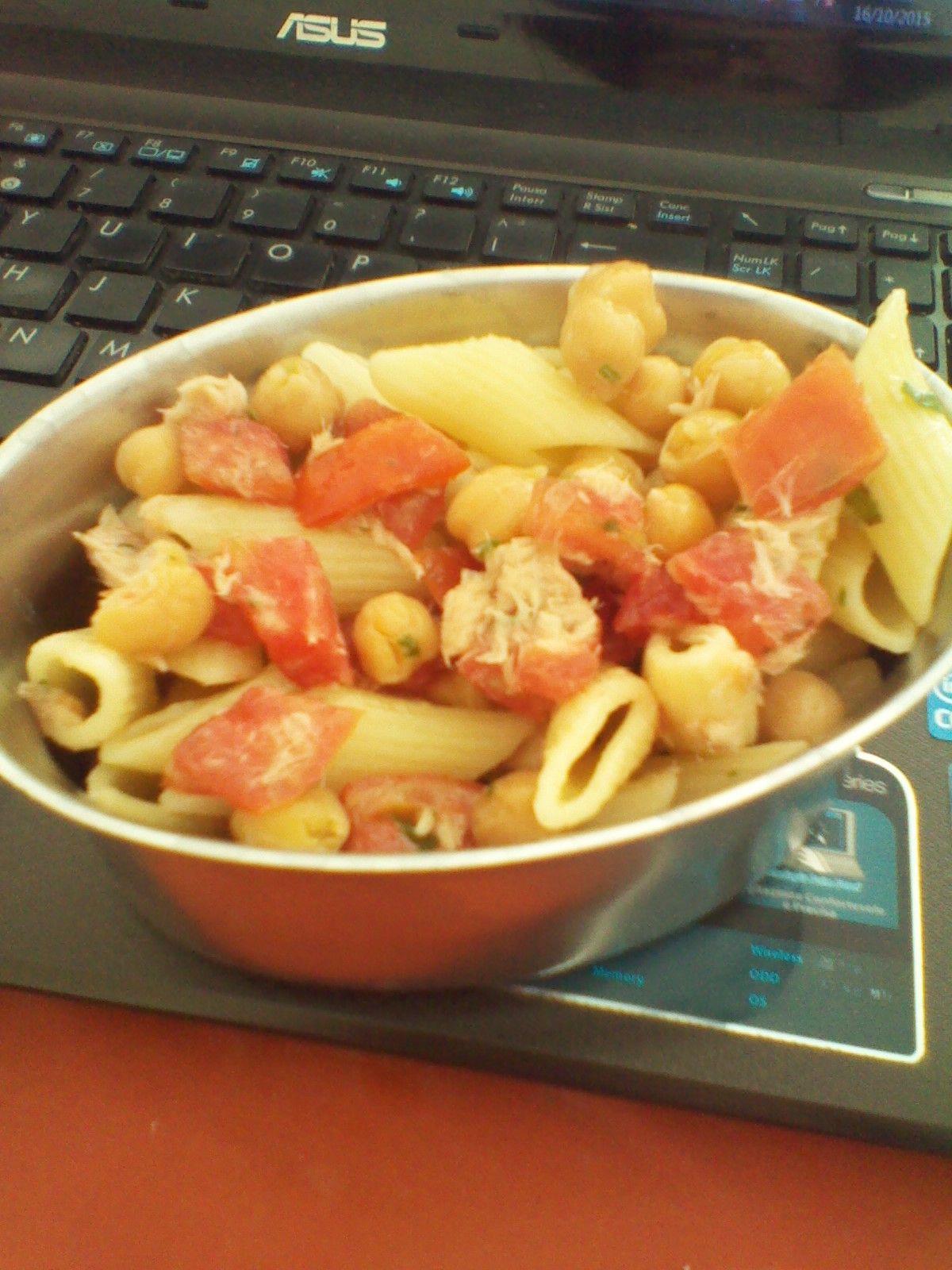 Che Birba: Lunch Box: Pasta con pomodorini, ceci e tonno