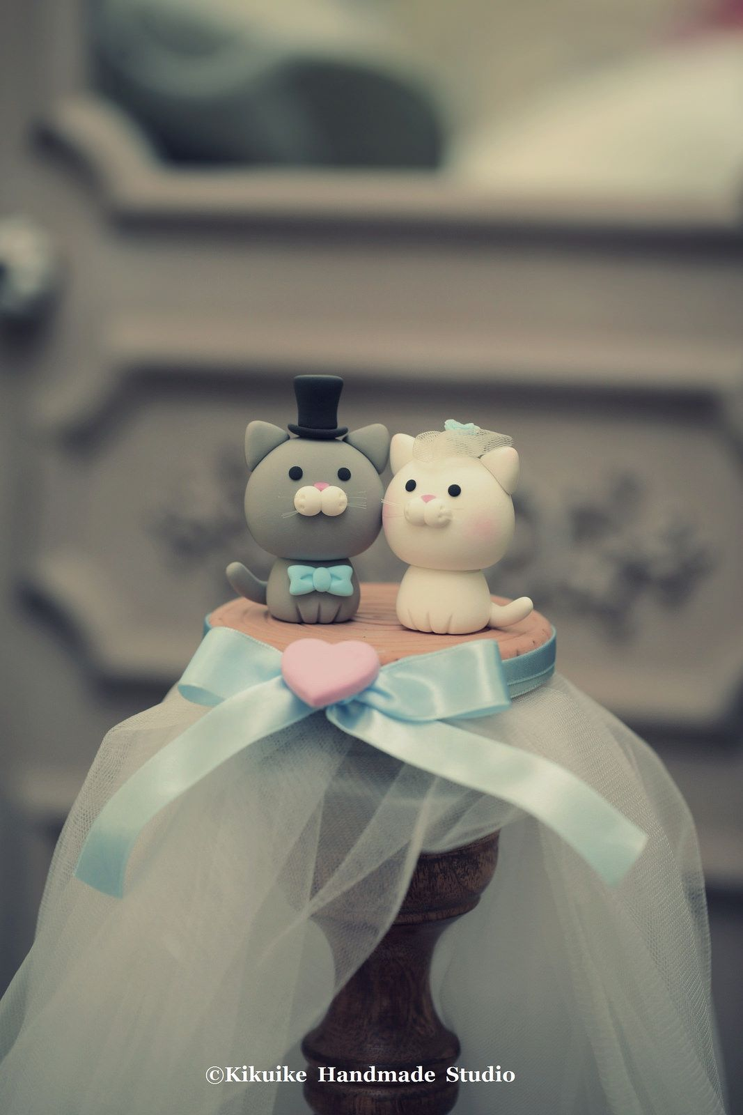 Lovely cat and kitty wedding cake topper dog cake topper wedding