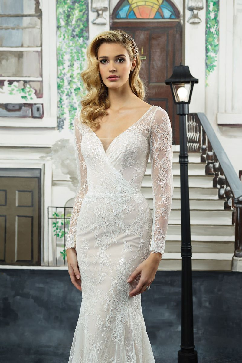 Long sleeved lace wedding dress  Justin Alexander  Style  Beaded Chantilly Lace LongSleeved V