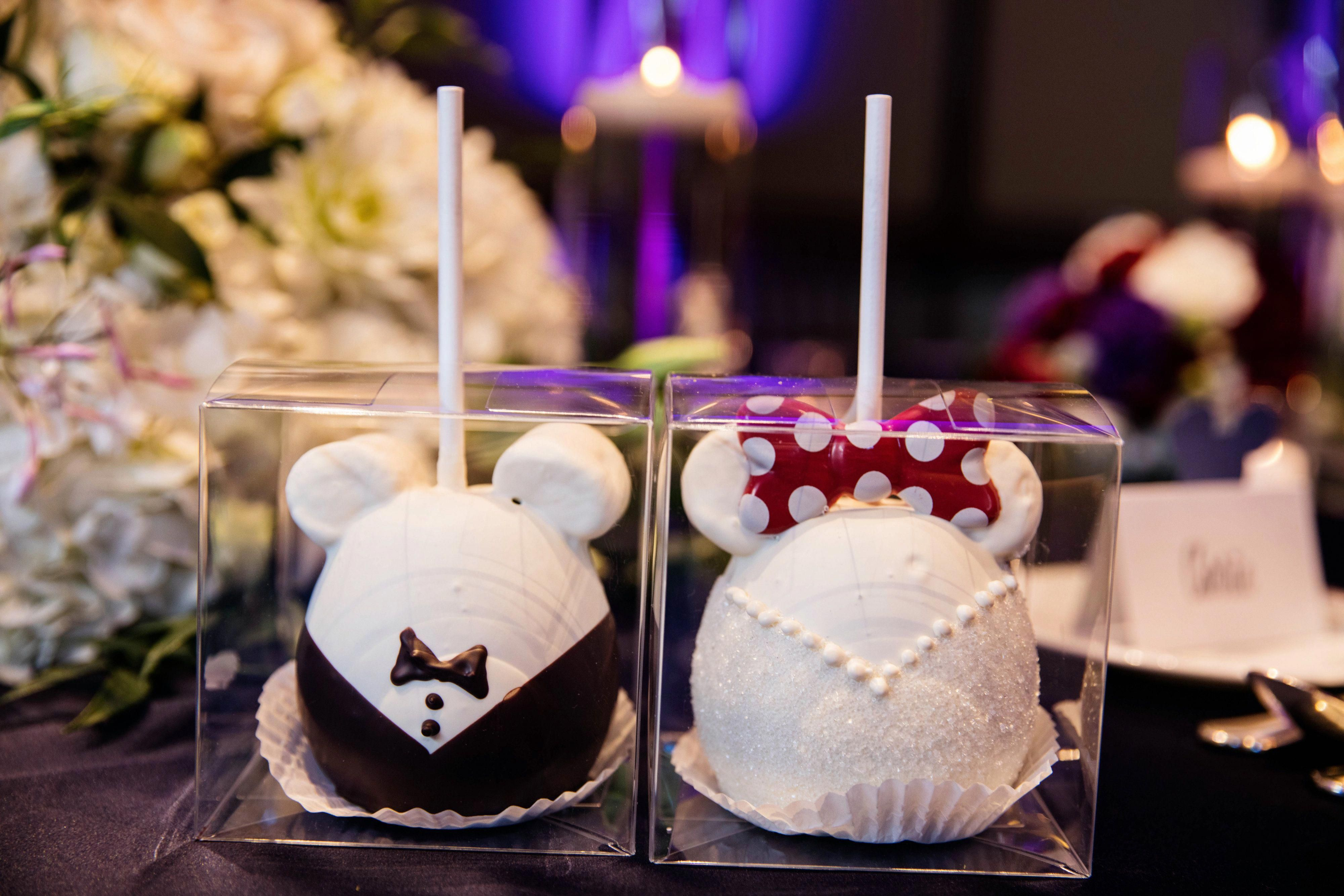 mickey and minnie mouse, bride and groom decorated apples