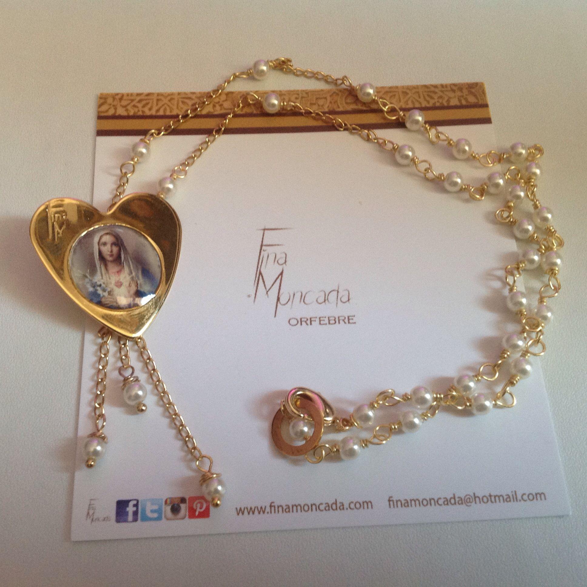 Lado Corazón de María. Collar con perlas y baño de oro