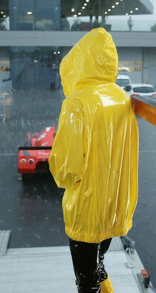 pin by shiny fetish project on plastic girls pinterest raincoat yellow raincoat. Black Bedroom Furniture Sets. Home Design Ideas