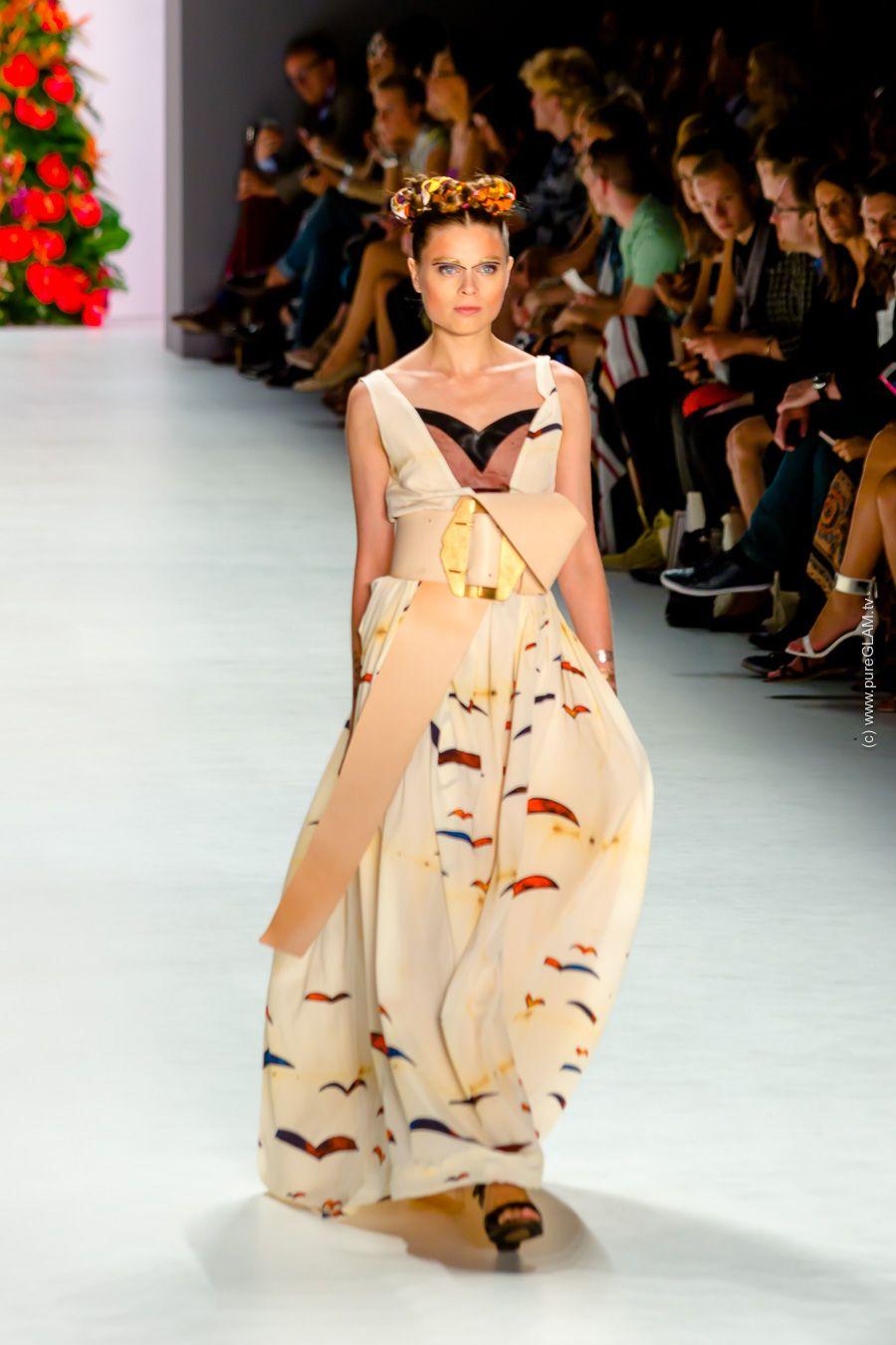Rebekka Ruétz Fashionshow A Touch Of Frida Fashionweek Ootd Spring