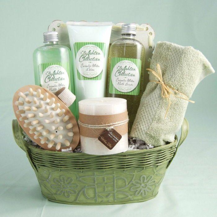 accessoires-de-célèbre-marque-en-vert panier cadeau paniers-vous décompiler-bain #boyfriendgiftbasket