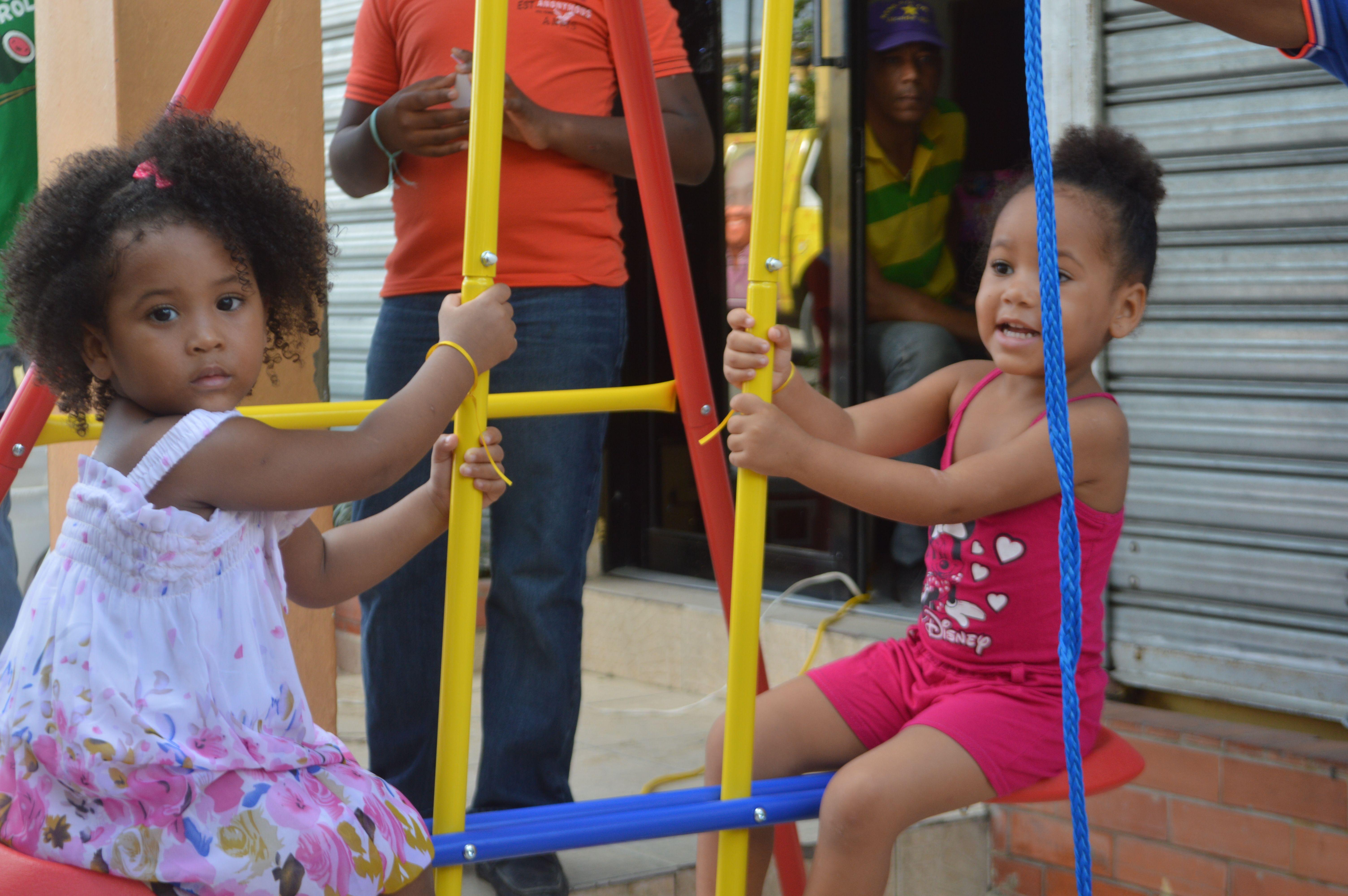 Video: Mujeres Decididas Con René celebran mes de la Familia con actividades infantiles en Sabana Perdida