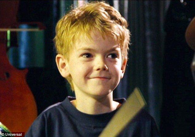 Love Actually Child Actor Thomas Brodie Sangster Looks All Grown Up Thomas Sangster Thomas Brodie Sangster Thomas Brodie