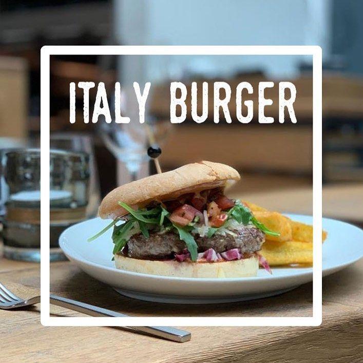 Njom njom njom - it's Burgertime in euerer PULVERMÜHLE. Heute ab 17:00 Uhr!  Wir reichen zu unserem Burger aus frisch gewolftem, irischen Rindfleisch MANIOK-Pommes. Besonders lecker dazu unsere hausgemachte Basilikum-Bärlauchmajo... #pulvermühle #hamburg #hamburgerecken #diningroomdesign #dinner #diningroom #freshfood #welovehamburg #hamburgmeineperle #hamburgliebe #hamburgguide #hamburggram #restaurant #bar #lounge #explorehamburg #hamburgahoi #hamburgfoodguide