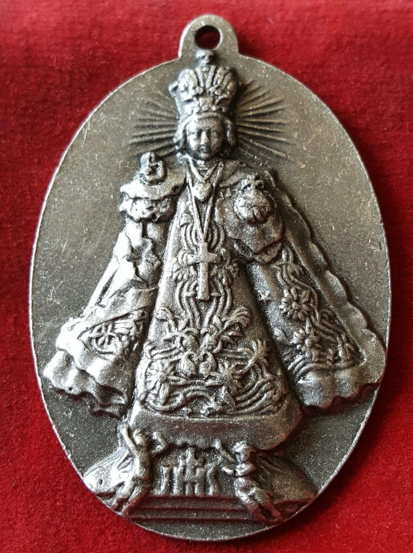 70bcea052e6 Large Vintage Spanish Infant Jesus of Prague Medal Pendant Jesus Christ  Pendant…