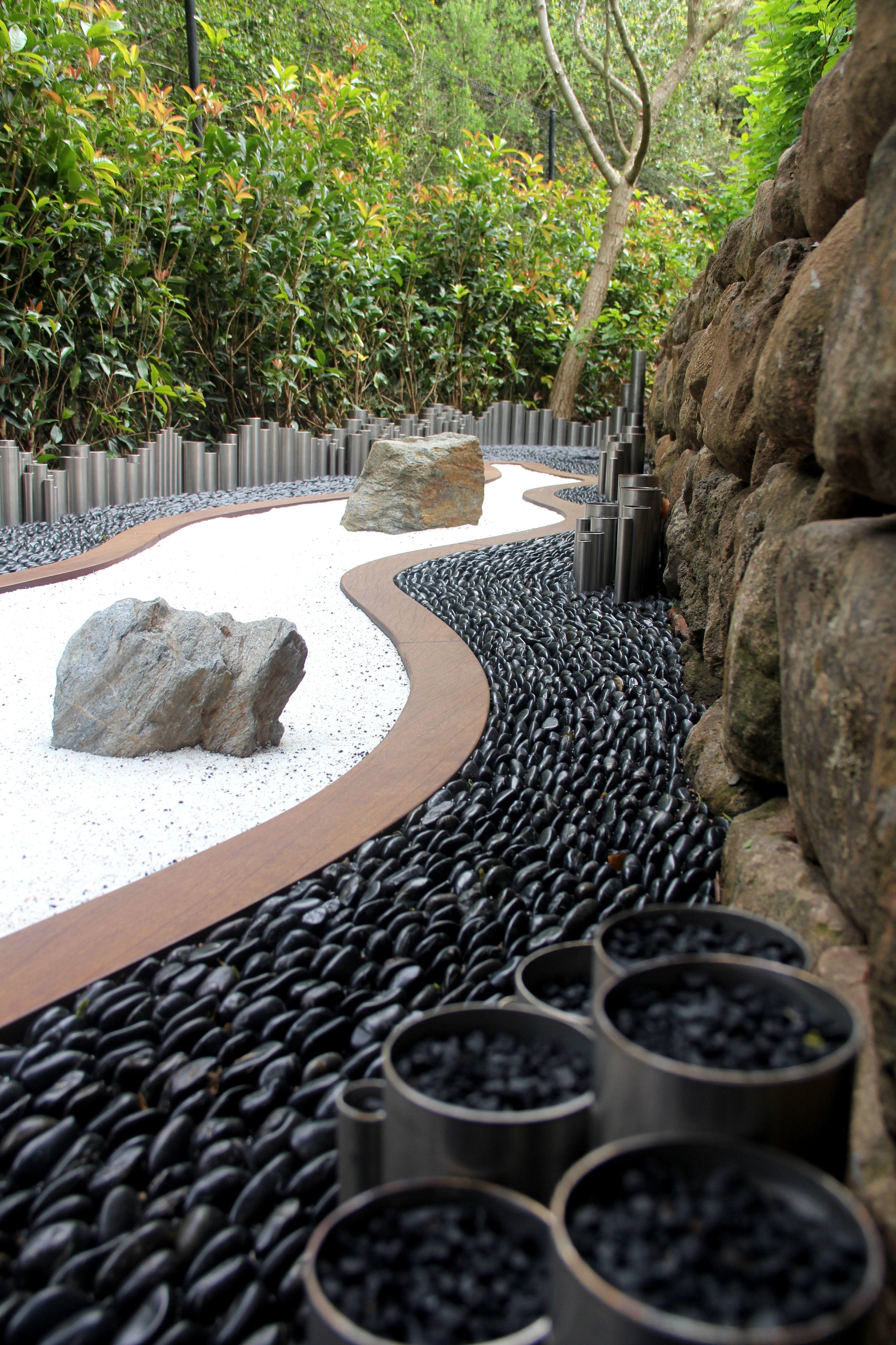 Zen Garden Solistone Mona Standing Pebbles Chinese 640 x 480