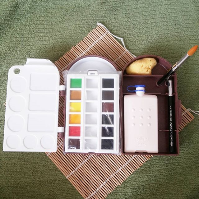 Available On Hand Holbein Pro Compo Mini Ii Watercolor Travel Kit