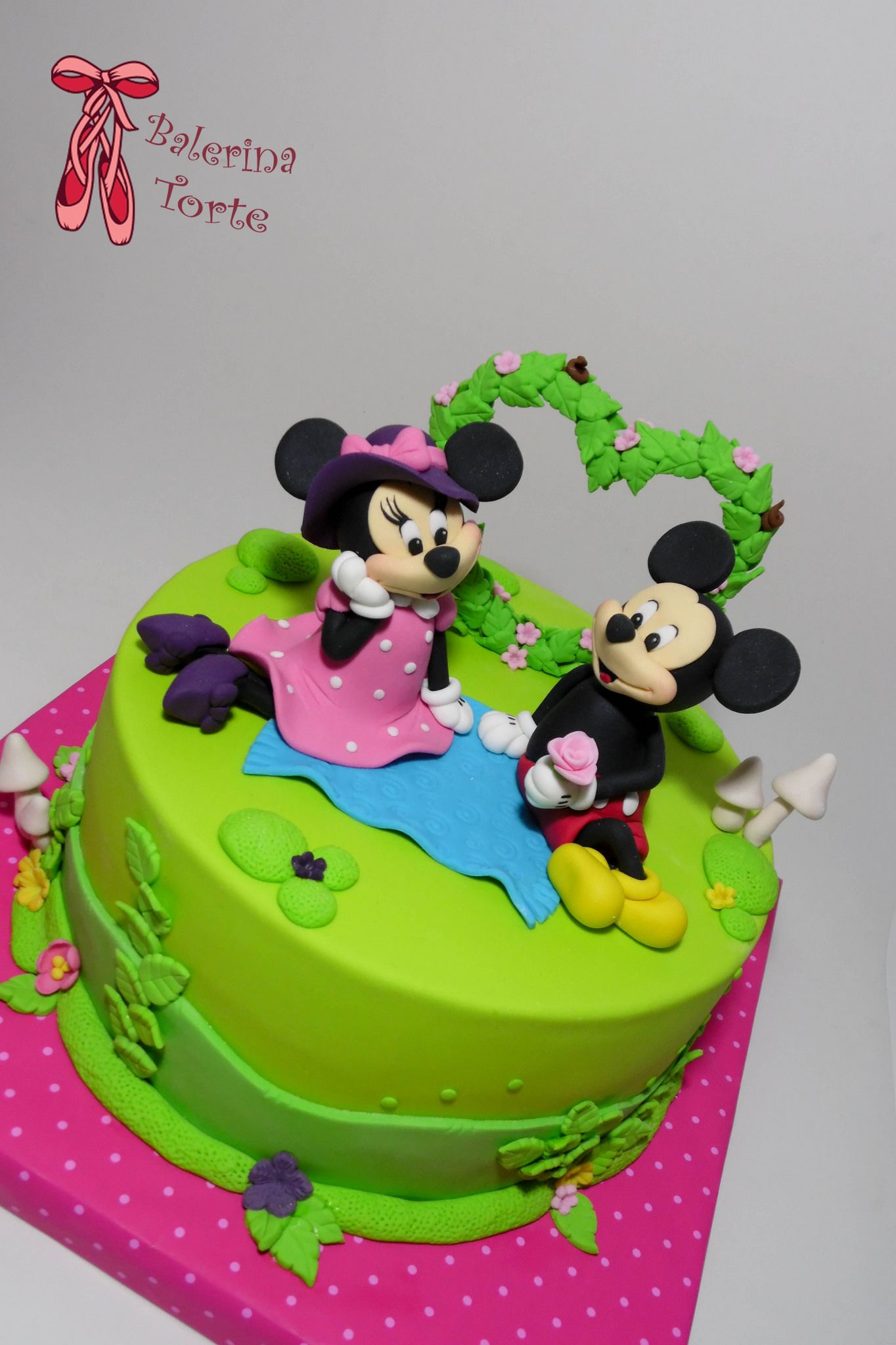 Mickey And Minnie Mouse Picnic Cake Miki I Mini Maus Piknik