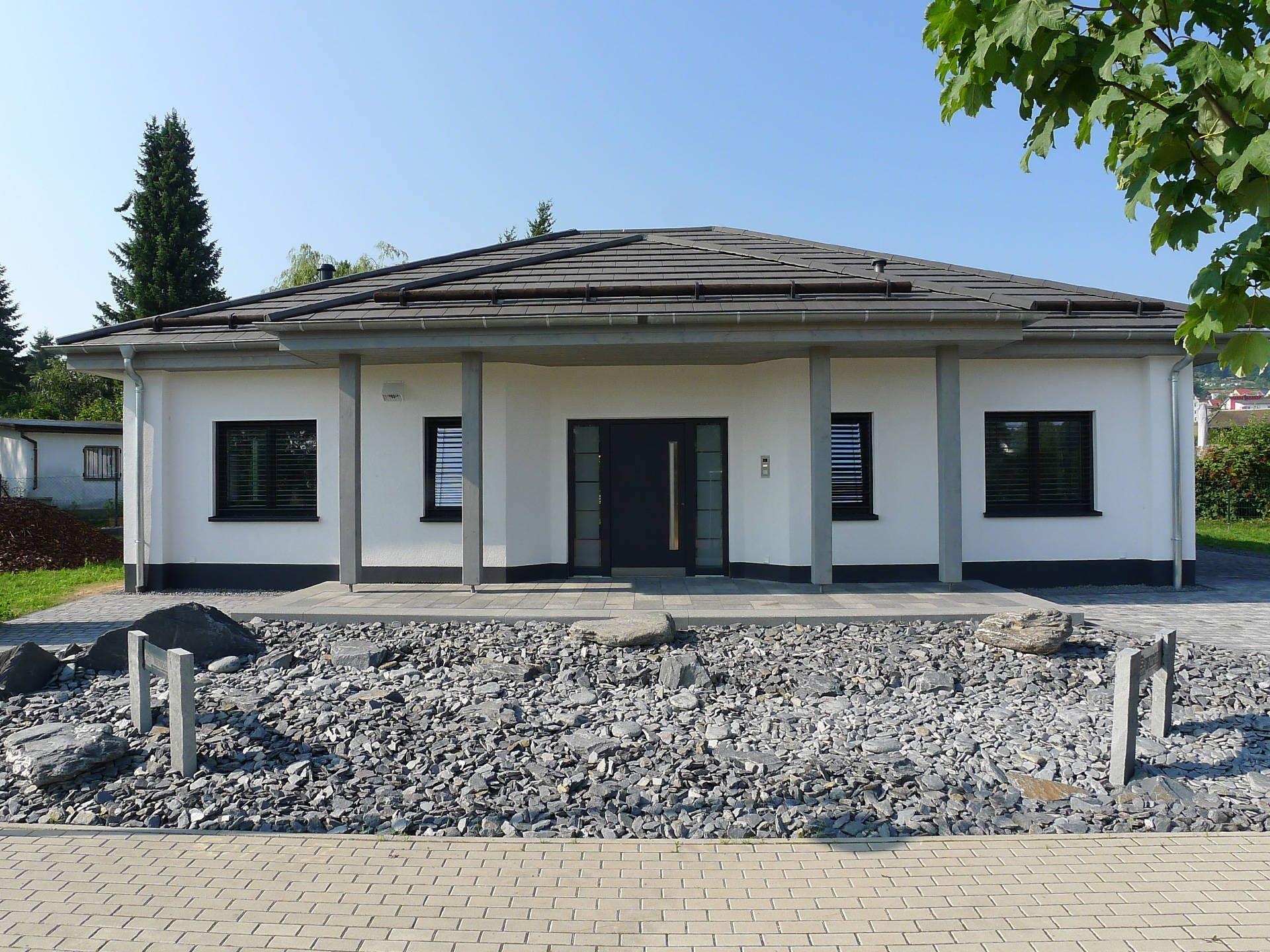 Musterhaus bungalow modern  Musterhaus Ilmenau • Musterhaus von HSE Massivhaus • Individuelles ...