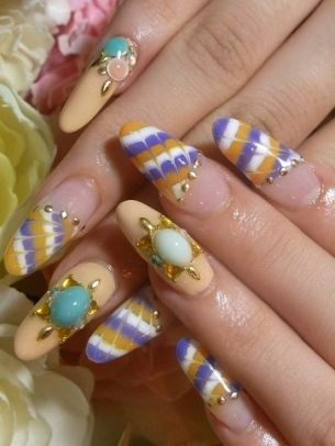Glam Nail Art Designs To Try The New Season Is Bringing Into