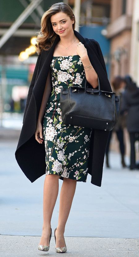 miranda-kerr-hermes-birkin-bag-dolce-gabbana-floral-dress-escada-coat-draped-on-shoulders-celebrity-floral-trend_1.jpg (450×828)
