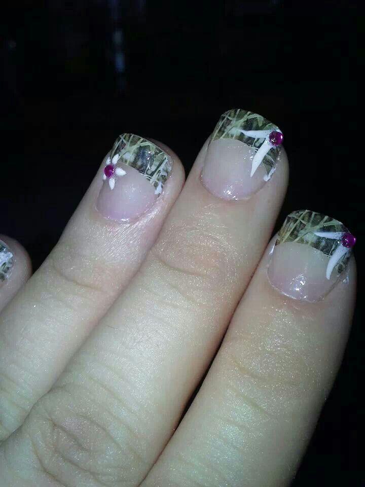 camo nails - white