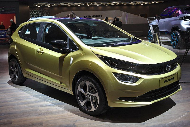 Tata Altroz On Road Price Features And Mileage In 2020 With