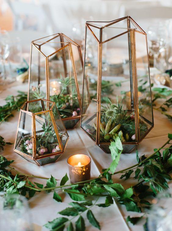 Geo Succulent And Cacti Filled Terrariums For A Desert Wedding Terrarium Wedding Wedding Floral Centerpieces Terrarium Centerpiece