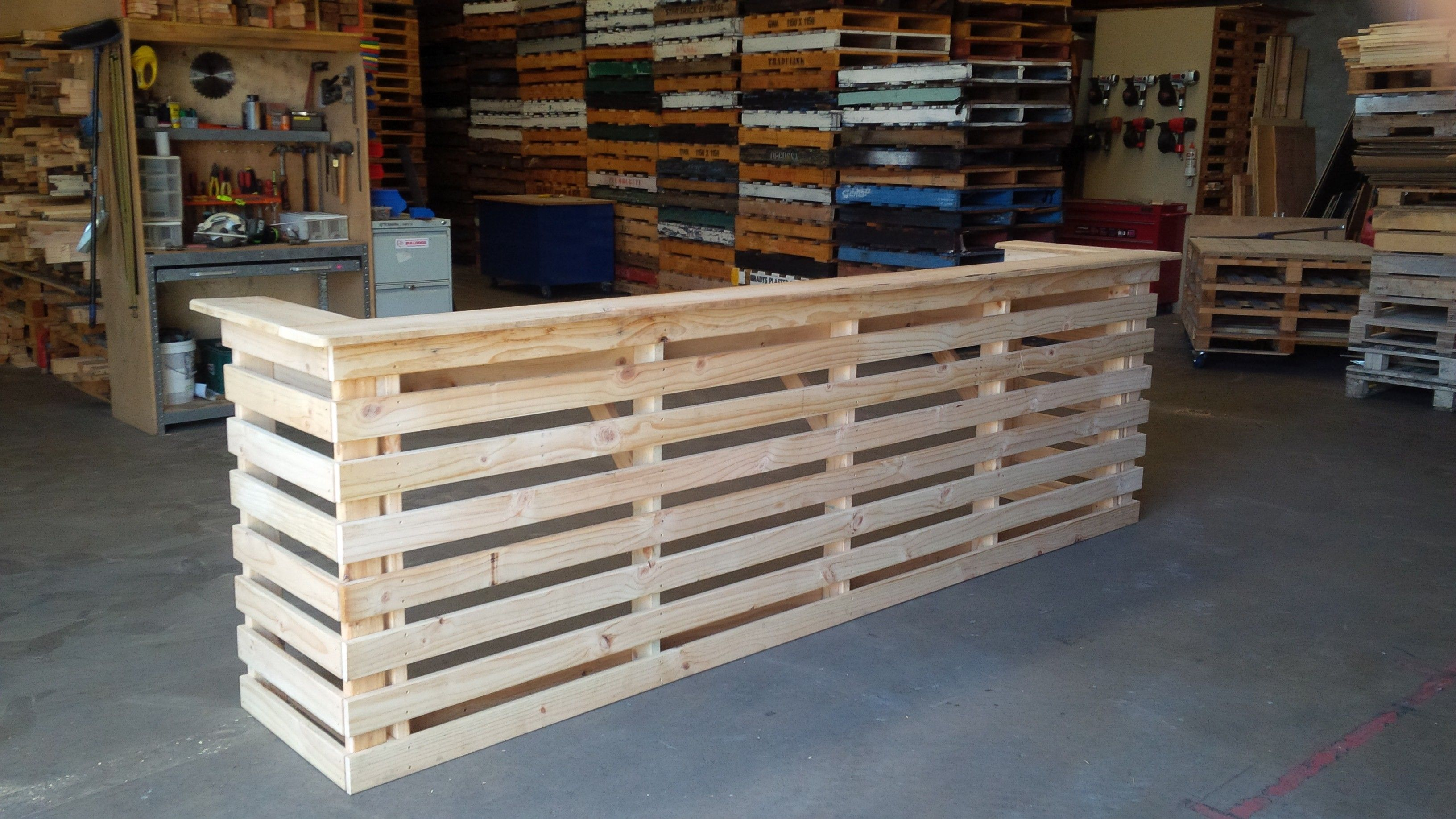 30 Best Picket Pallet Bar DIY Ideas for Your Home ...