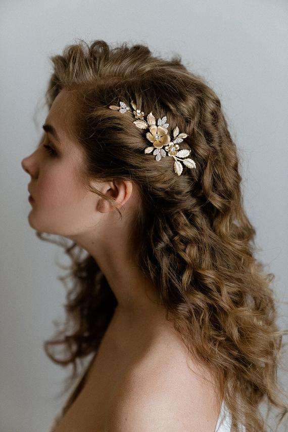 Bridal gold hair pin Bridal flower headpiece Wedding hair pin Bridal botanical hair comb - Wedding floral hair piece Bridal leaf hair piece