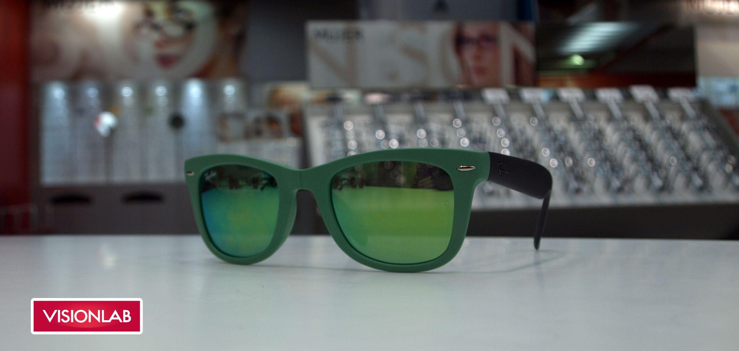 2cb02d1bb8 Gafas RayBan espejadas y plegables verdes http://www.visionlab.es/