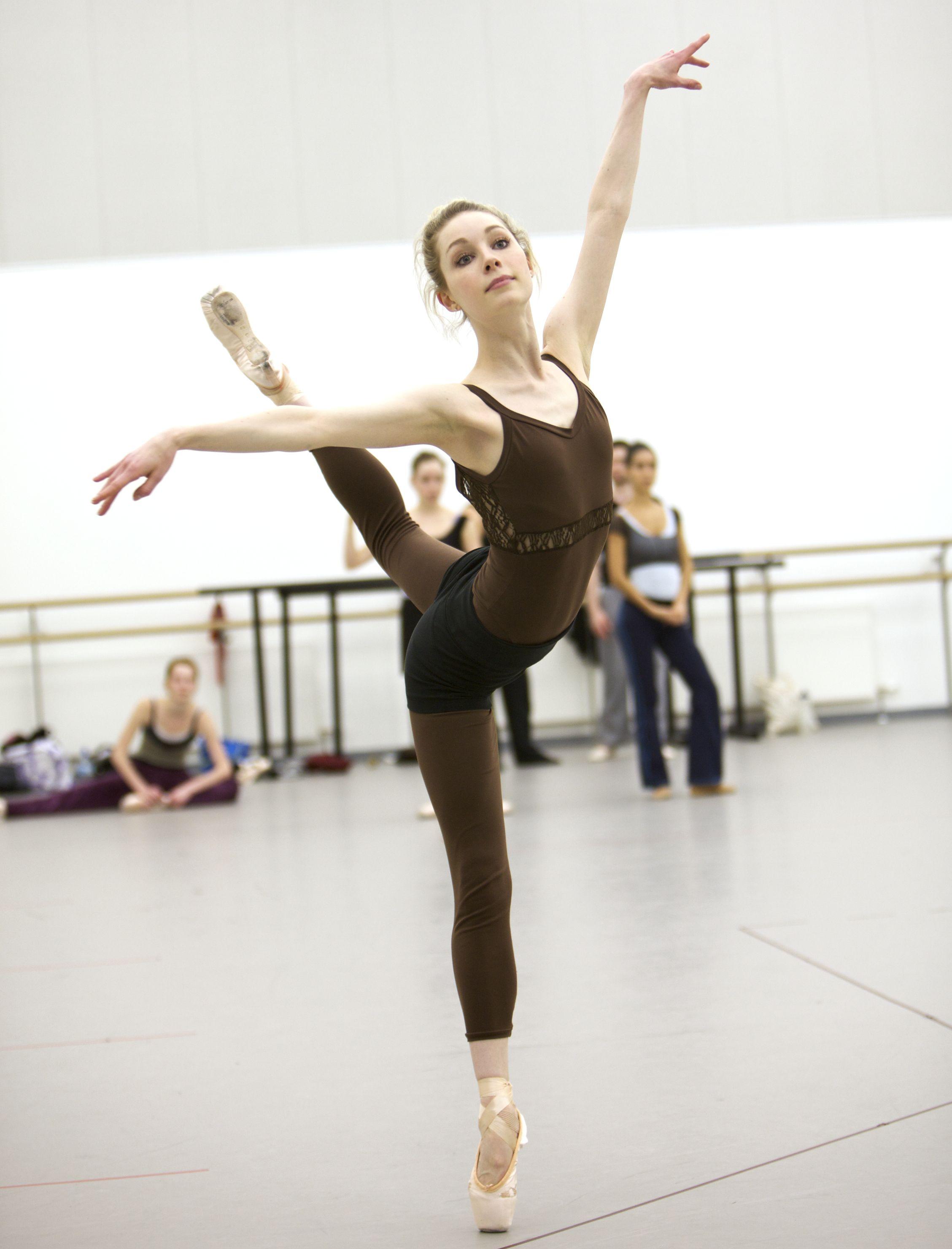 Балерины фото без одежды