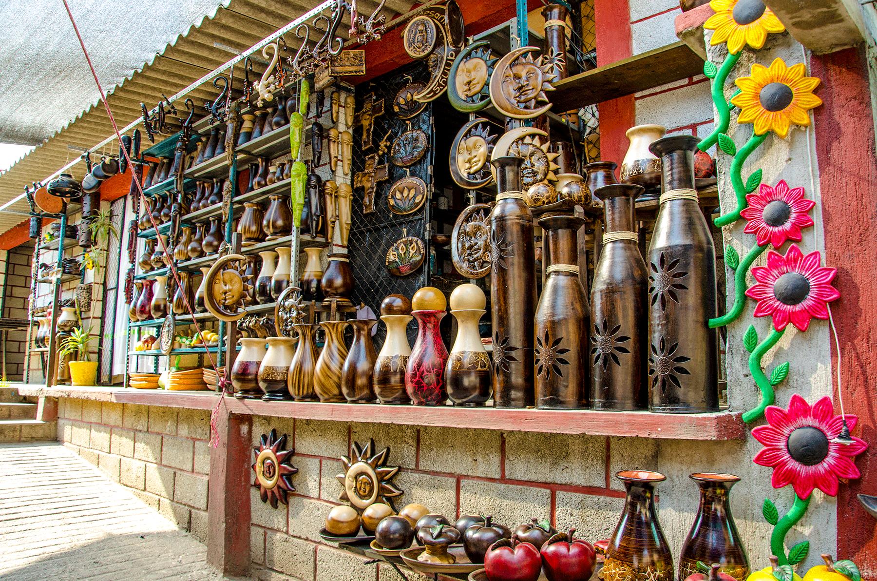 puesto de artesanías en Tlayacapan