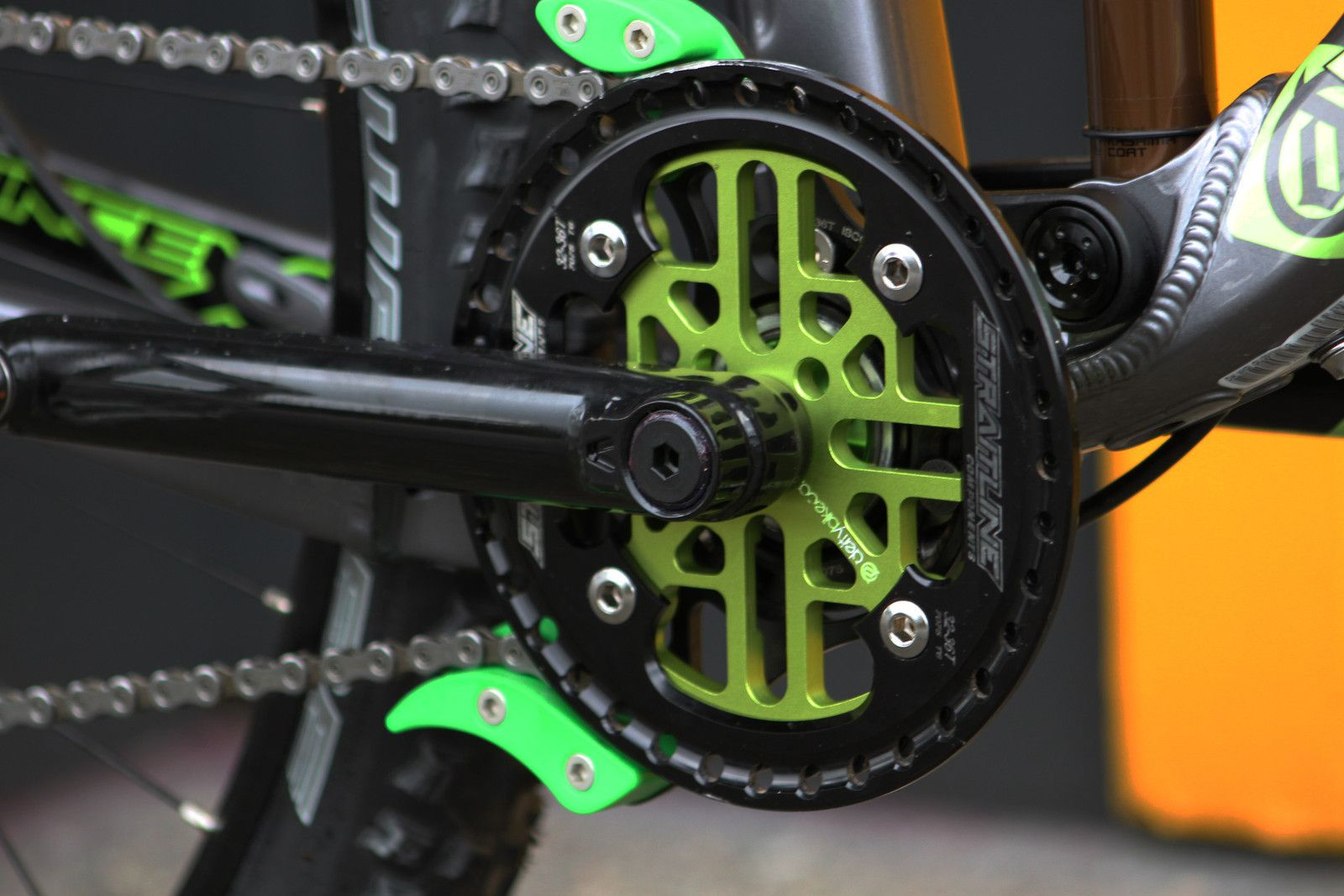 Deity Components Vendetta 3 0 With A 34t Alibi 4b Chainring Fahrrad