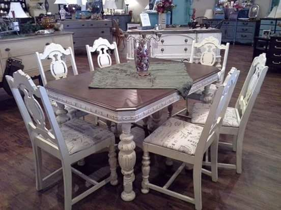 1930 S Jacobean Dining Table Chairs Refinished In Distressed Chaulk Paint Dining Room Furniture Makeover Antique Dining Rooms Diy Dining Room Table