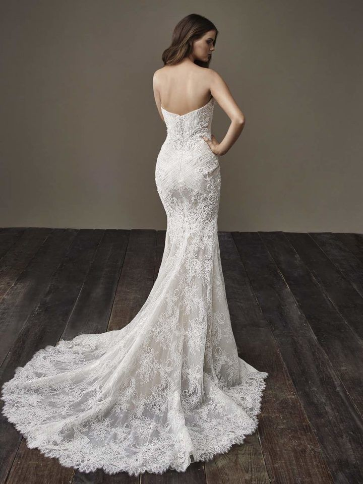 Glamorously Modern Badgley Mischka Wedding Dresses Bride Collection ...