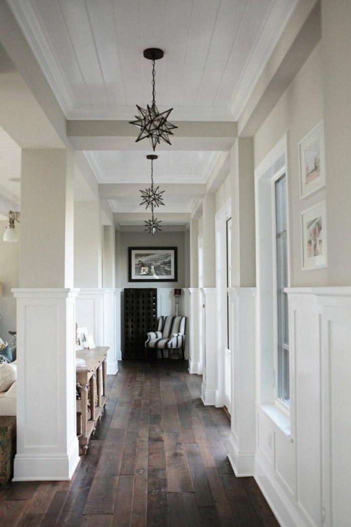 Corridoio stretto lungo pavimento parquet colore scuro for Arredare un corridoio stretto