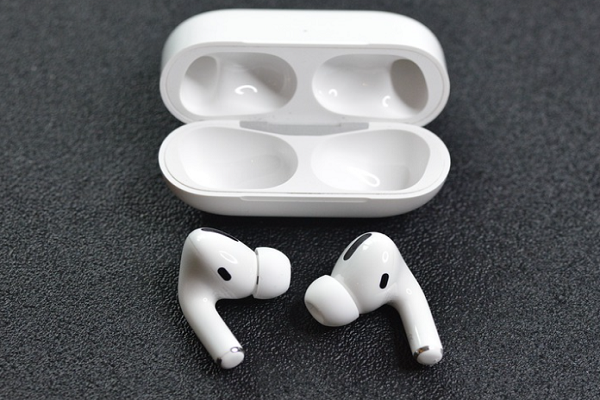 Apple Airpods Pros And Cons Are They Really Worth It In 2021 Airpods Pro Apple Accessories Apple Headphone