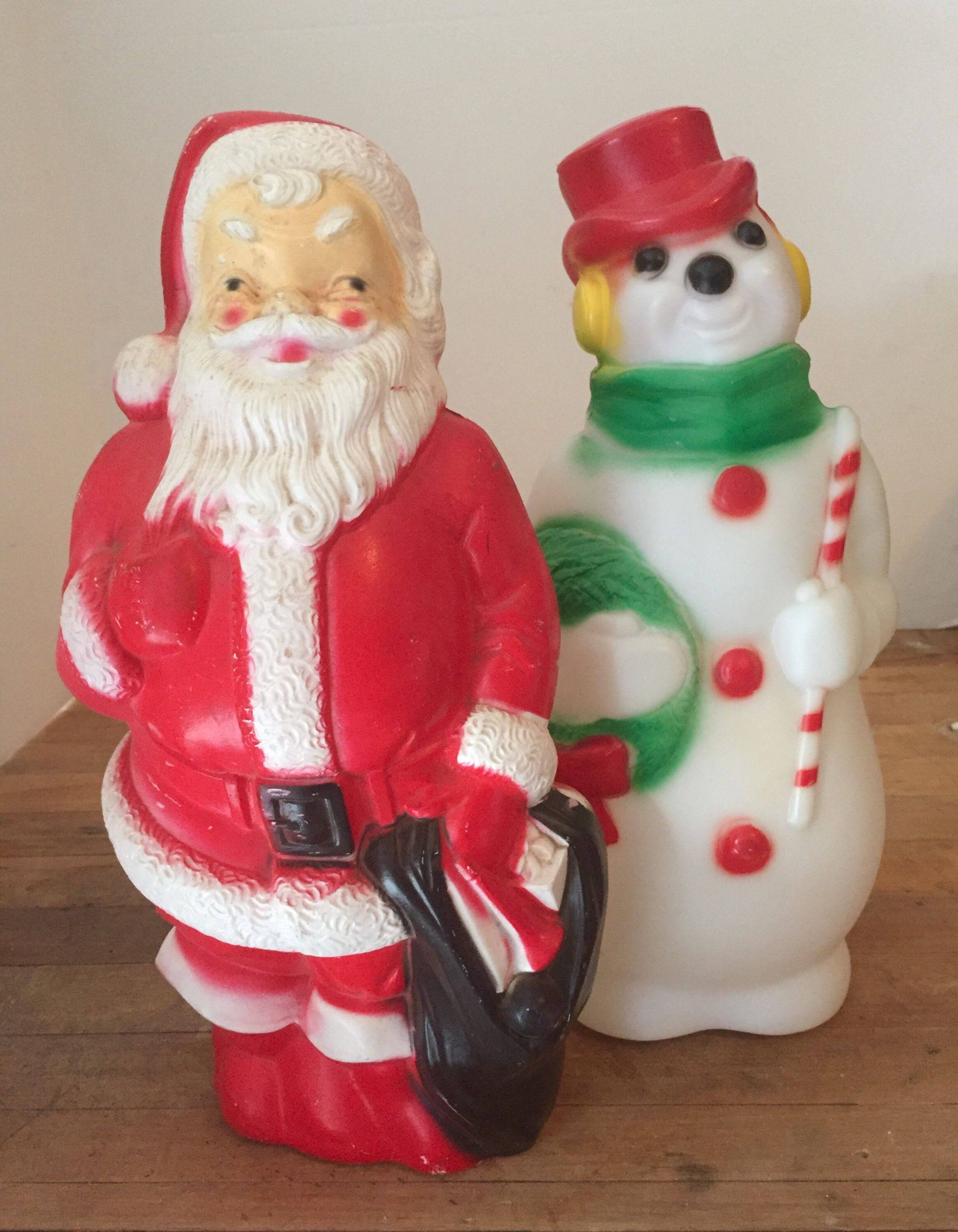 Blow Mold Christmas Yard Decorations.Add Some Vintage Christmas The Cavender Diary Christmas