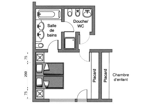 Une chambre à coucher avec salles de douche et de bains + wc ...