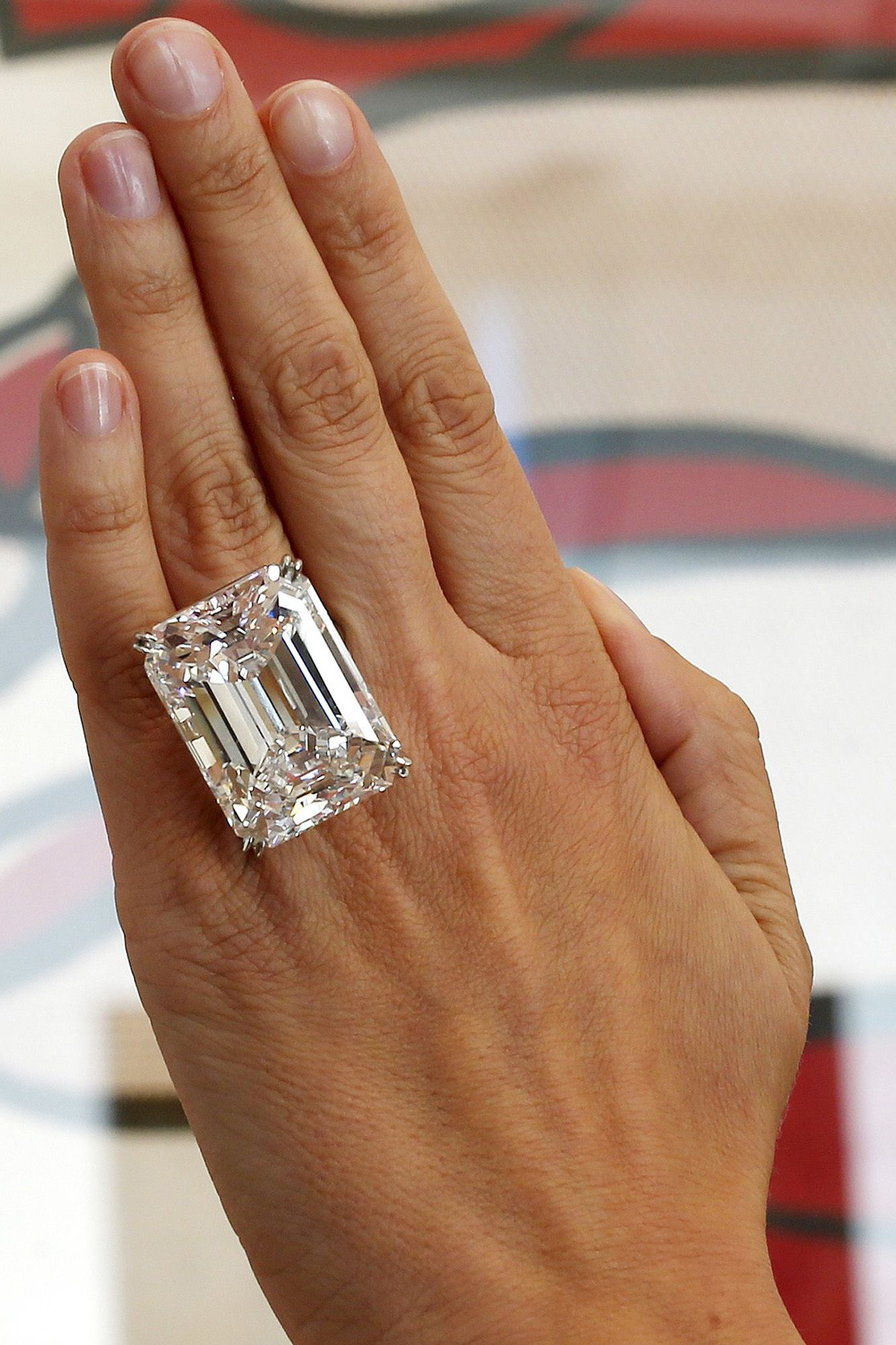 100 Carat Diamond Makes Auction History With 22m Sale Diamond Flawless Diamond Emerald Jewelry