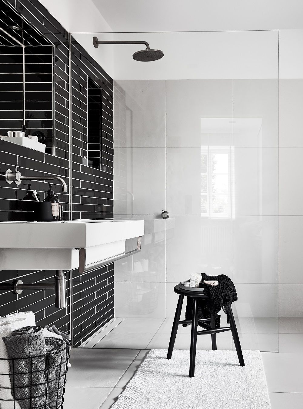 Hocker Pelle Badezimmer Dekor Badezimmer Schwarz Und Fliesen