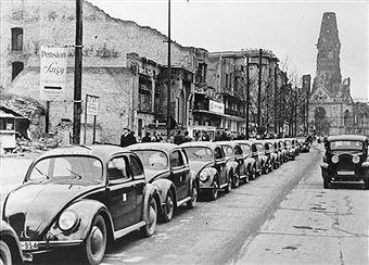 """Am Kurfuerstendamm 1950 """"Taxi-Service"""",Taxistand"""