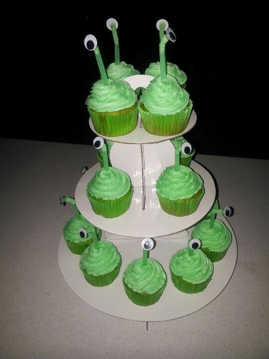 Monster\'s Inc. cupcakes Add green food coloring to yellow cake ...