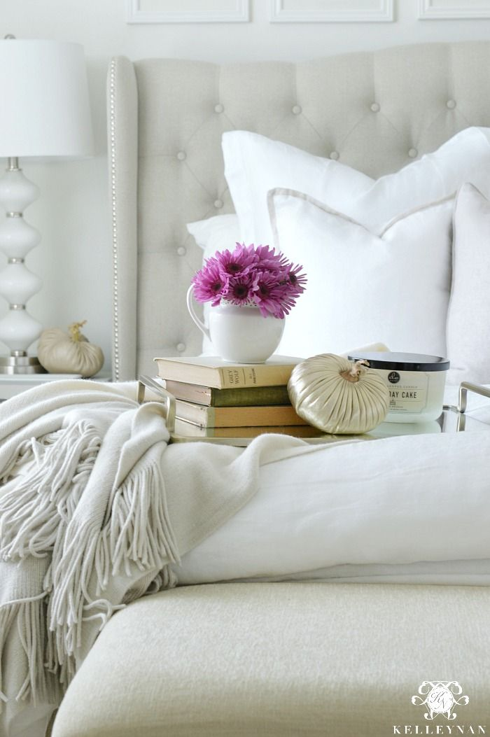 Gracious Guest Bedroom Decorating Ideas: White Guest Bedroom, Picture Room Decor, Autumn Home